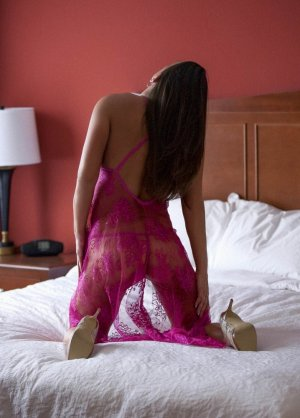 Margaud escort girls in Cascades