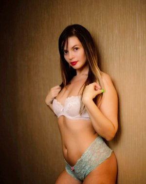 Fatim-zohra escort girl in Harvey
