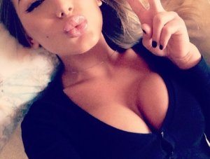 Meri escort girl in Burley